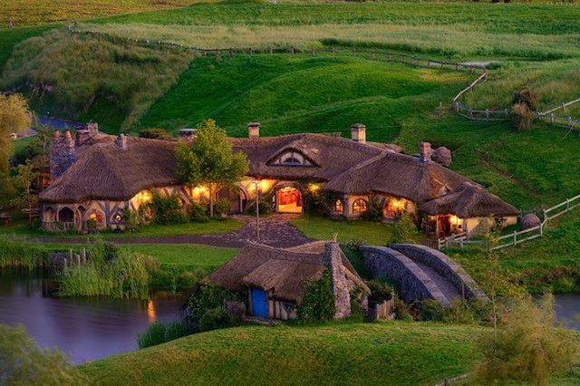 Drink beer in a real-life Hobbit Pub (1)