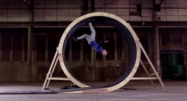 First-Ever Human Loop-the-Loop on Foot (By Free Running Stuntman Damien Walters)