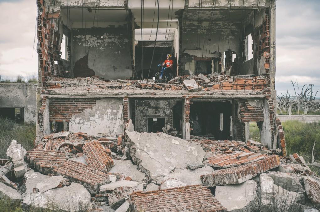 Danny MacAskill – Epecuén 2014 (Biking-Clip)