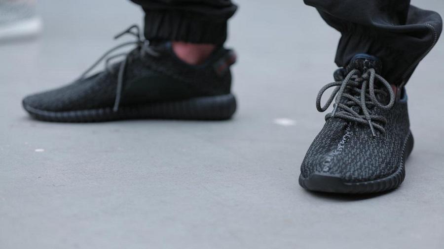 adidas yeezy 350 boost schwarz weiß